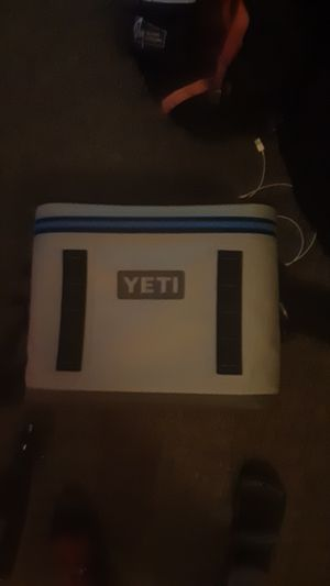 Yeti cooler for Sale in Portland, OR