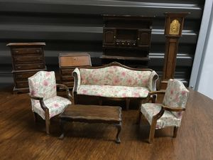 "Vintage Dollhouse furniture ""Classics"" maker for Sale in Seattle, WA"