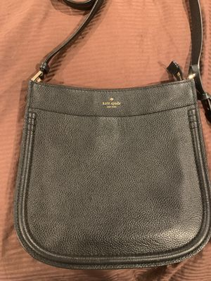 Kate Spade crossover/messenger bag for Sale in North Park Forest, TX