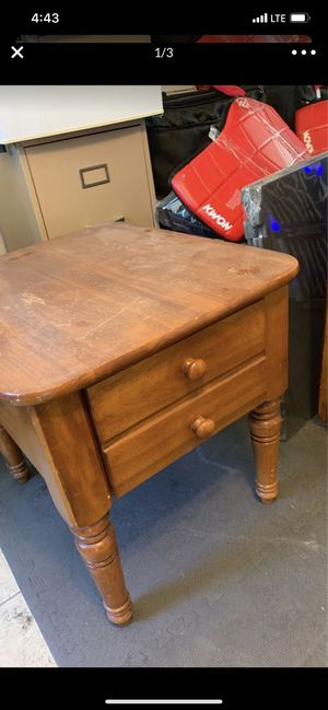 Two night stand tables and center stand for Sale in Fontana, CA