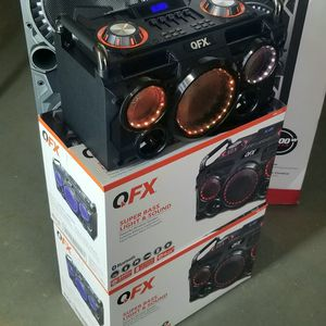 Portable and rechargeable speaker with bluetooth, usb, fm radio, aux connection, LED lighs. Microphone inputs. BRAND NEW. Los vendo nuevos. for Sale in Miami, FL