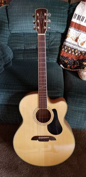 Alvarez jumbo AJ60-SC guitar for Sale in Stockton, CA
