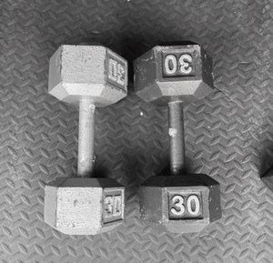 PAIR OF 2x30lbs HEX DUMBBELLS!!! for Sale in Chula Vista, CA