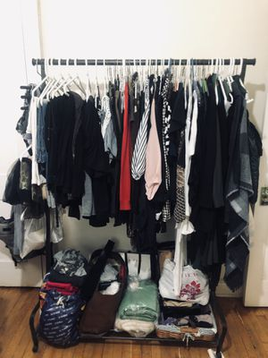 Wardrobe/clothing storage for Sale in Palisades Park, NJ