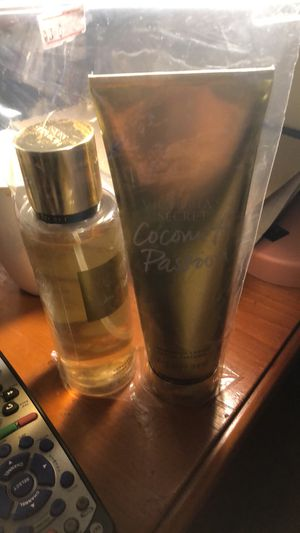 Victoria secrets crema y fragancia for Sale in Boston, MA