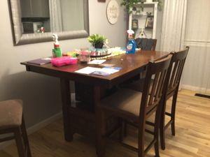 Kitchen table and chairs for Sale in Lakewood, CO