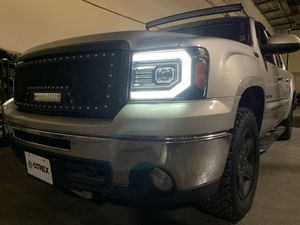 2007 - 2013 GMC Sierra Headlight for Sale in Baldwin Park, CA