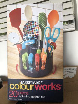 Kitchen gadget set -20 pieces - Color for Sale in Fort Lauderdale, FL