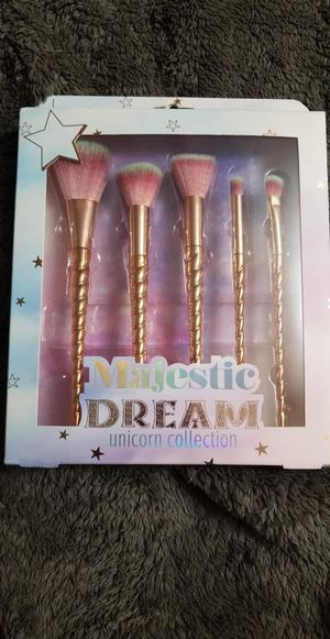 Majestic dream makeup brush set for Sale in Tonawanda, NY