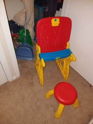 Crayola kids art desk and easel for Sale in Irving, TX