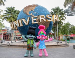 Universal Studios Tickets (10) Islands of Advanture, Volcano Bay Orlando for Sale in Orlando, FL