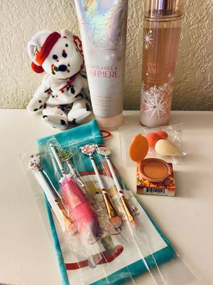 Teen /adult bath & body works stocking stuffer or gift set for Sale in Fresno, CA