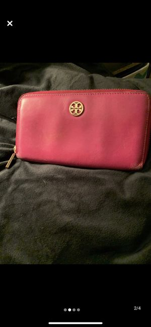 Authentic Tory Burch wallet for Sale in Wauconda, IL