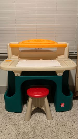Kids desk with chair for Sale in Fort Worth, TX