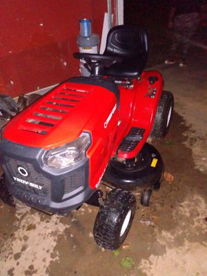 Riding lawn mower for Sale in Riverdale, GA