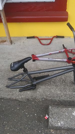 Bike parts need them gon 100 obo or a bmx trade for Sale in Elma, WA