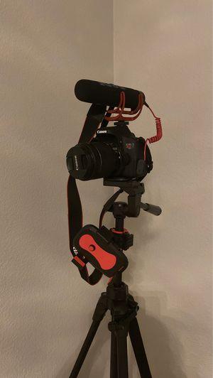 Canon Rebel T6i for Sale in Stockton, CA