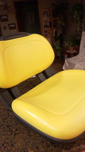 John deere tractor seat 300 series for Sale in Green Lane, PA
