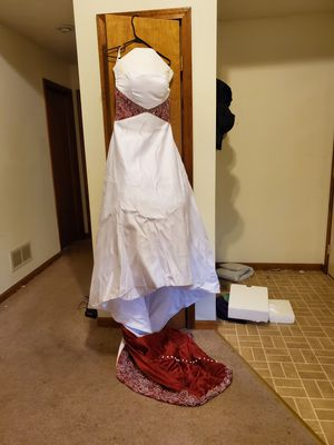 Gorgeous Wedding Dress and Coat/Set. Make Offer! for Sale in Rolla, MO