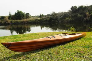 Beautiful 17' wooden kayak w some minor scratches and dents for Sale in Ontario, CA