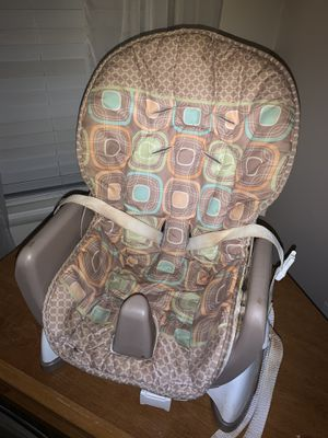 Kids dining booster chair for Sale in Gaithersburg, MD