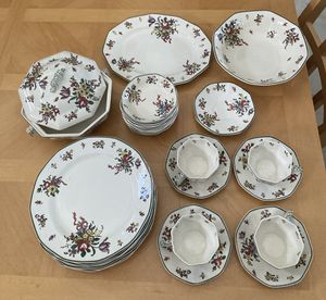 Royal Doulton Antique Old Leeds Spray China 32 pieces for Sale in Fort Lauderdale, FL