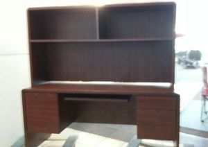 Big Computer Desk with uper top shelves unit for Sale in Mableton, GA