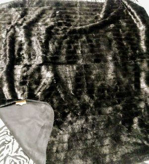 Black reversible Fur/Suede Blanket Lable: Andrea Faye by Mazmania Made in US for Sale in Los Angeles, CA