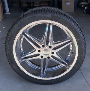 24in set universal lug chrome rims $700 obo for Sale in San Diego, CA