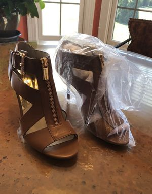 Michael Kors Leather Heels, New Size 7 for Sale in Los Angeles, CA