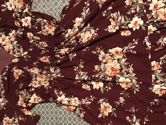 Floral Dress (Worn Once) for Sale in Brimfield,  IL