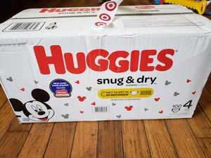 1 BOX DIAPERS HUGGIES SNUG & DRY SIZE 4 for Sale in Adelphi, MD