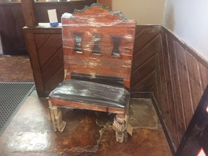 Table and chairs for Sale in Memphis, TN