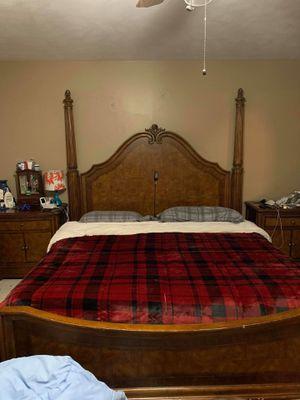 4 piece Schnadig King bedroom set for Sale in Warsaw, IN