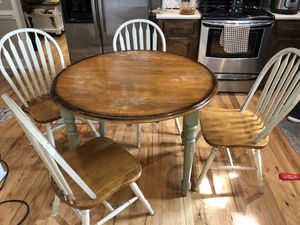 Table and chairs for Sale in Greer, SC