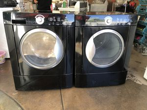 Frigidaire washer and gas dryer for Sale in San Marcos, CA