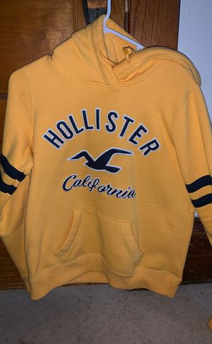 Golden yellow hollister hoodie for Sale in Mascoutah, IL