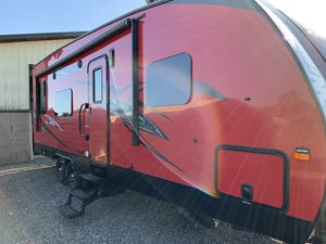 MOVING!! 2017 Winnebago Spyder Toy Hauler for Sale in Lacey, WA