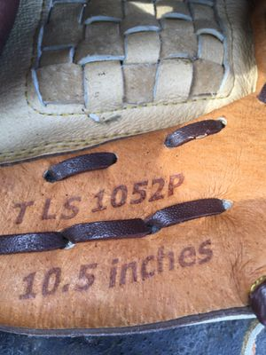 "Leather baseball glove 10.5"" for Sale in Reynoldsburg, OH"