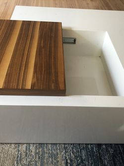 Coffee table with storage for Sale in Renton,  WA