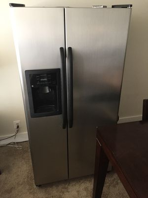 General Electric Freezer and Refrigerator. for Sale in Silver Spring, MD
