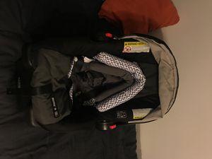 Graco Newborn car seat. for Sale in South Euclid, OH