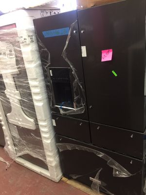 """New 5 door refrigerator kitchen aid stainless steel black w 35 3/4"""" for Sale in South El Monte, CA"""