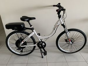 Prodeco tech G Stride R. ebike electric bicycle excellent condition like new hardly used 38v 12ah 500watt motor for Sale in HALNDLE BCH, FL