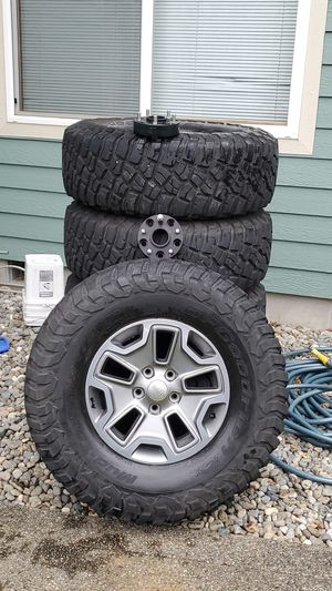 2017 jk jeep wheels with bfg km3 tires for Sale in Puyallup, WA