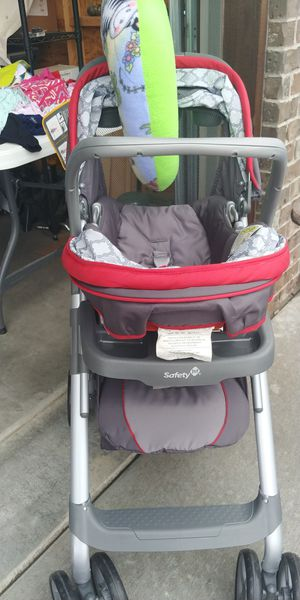 Safety first stroller/carseat combo for Sale in Derby, KS
