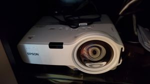 Epson Projector (short throw) for Sale in Pompano Beach, FL