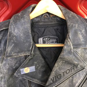 VICTORY Men's Leather Jacket for Sale in Clearwater, FL
