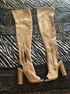 Knee high boots for Sale in Orlando, FL
