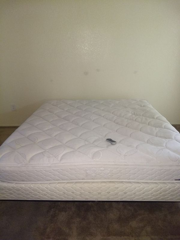 Sleep Number Bed (Eastern) King Size PLEASE READ FIRST